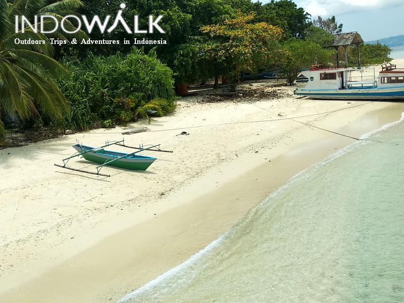 Paket Wisata Lampung Pantai Pasir Putih